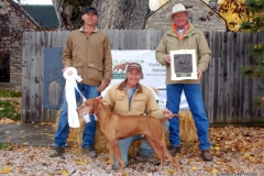 Rigby receives a placement at the Vizsla Club America NAFC 2015